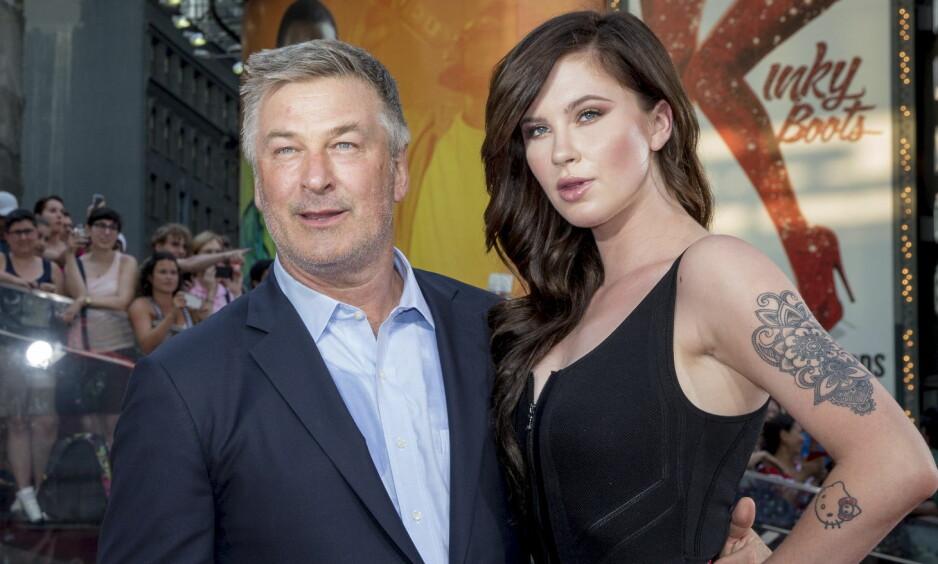 MØRK FORTID: Skuespiller Alec Baldwin og dattera Ireland har ikke alltid hatt et like godt forhold som de har i dag. Her avbildet i 2015. Foto:  REUTERS / NTB scanpix