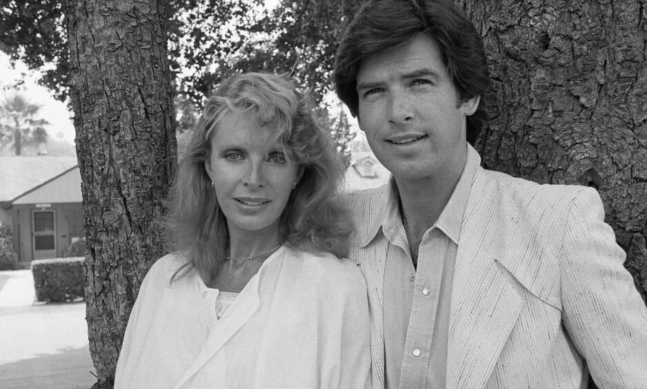 <strong>DØDE:</strong> Pierce Brosnan ble enkemann da Cassandra Harris, hans kone, døde av kreft i 1991. Datteren deres mistet livet til samme sykdom i 2013. Dette bildet ble tatt i 1983. Foto: NTB Scanpix