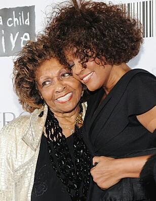 MAMMA: Whitney og hennes mamma Cissy hadde et godt forhold Foto: NTB scanpix