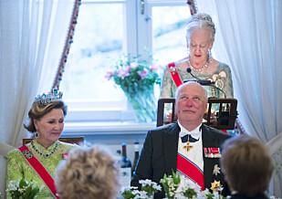 RØRT: Dronning Margrethe holdt tale for jubilantene under middagen. Foto: NTB Scanpix.