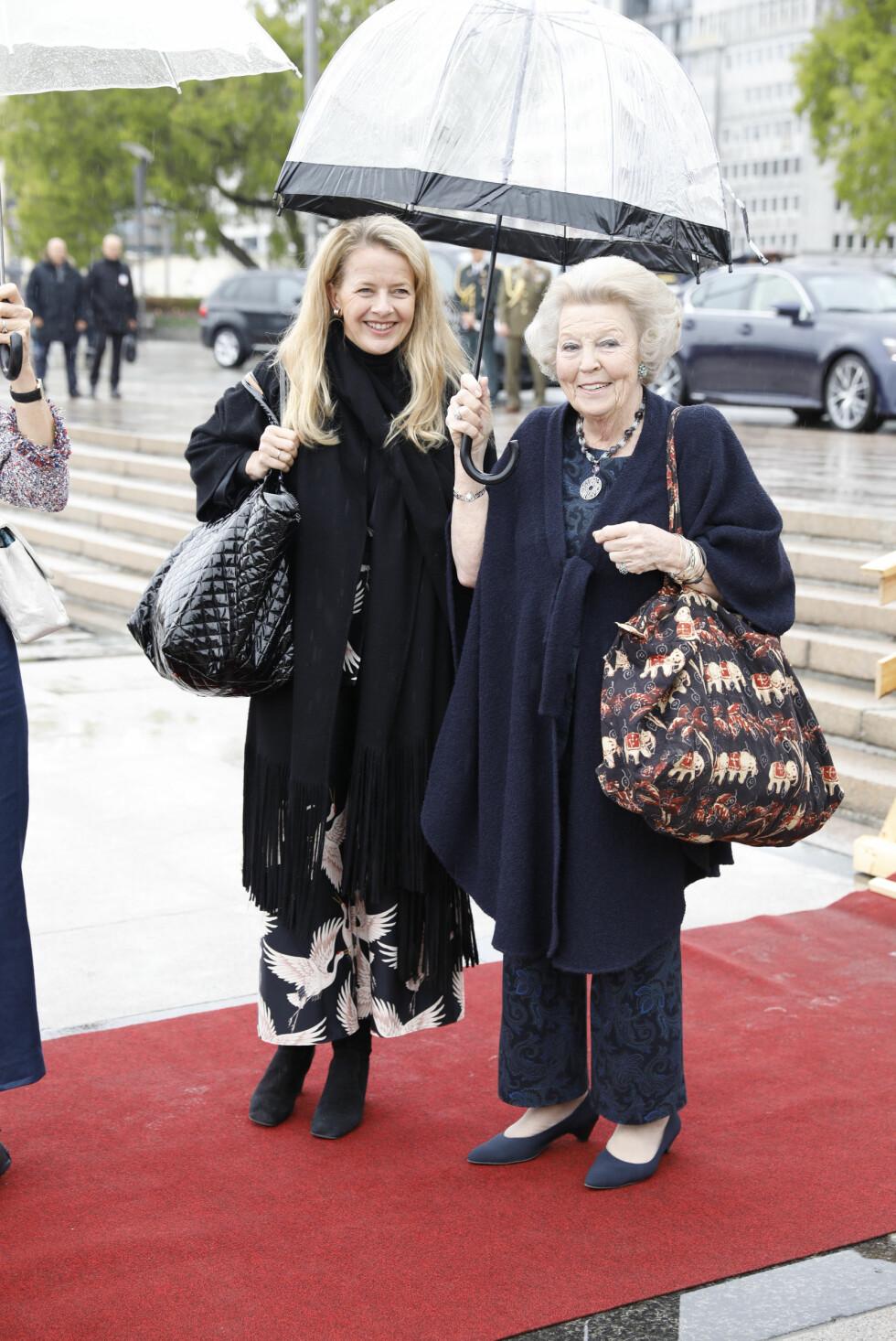 BURSDAGSFEST: Prinsesse Beatrix av Nederland ved avreise fra honnørbrygga i Oslo på tur til lunsj på Kongeskipet Norge onsdag. Foto: Gorm Kallestad / NTB scanpix