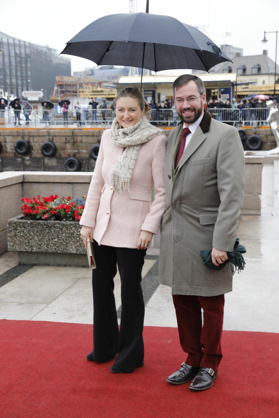 BURSDAGSFEST: Prins Guillaume og Stéphanie av Luxemburg var blant de celebre gjestene på kongeskipet Norge. Foto: Foto: Kallestad, Gorm / NTB Scanpix
