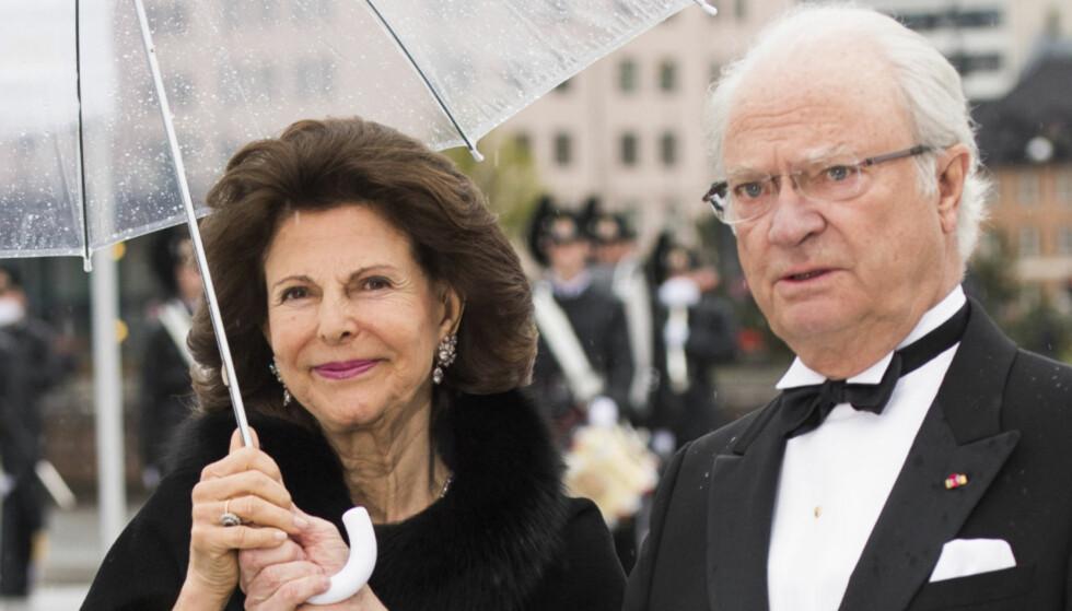 NYLIG I NORGE: Kong Carl Gustaf og dronning Silvia av Sverige er blant de fremmøtte i begravelsen. Her avbildet i Oslo denne uka i forbindelse med kongeparets 80-årsjubileum. Foto: Jon Olav Nesvold / NTB scanpix