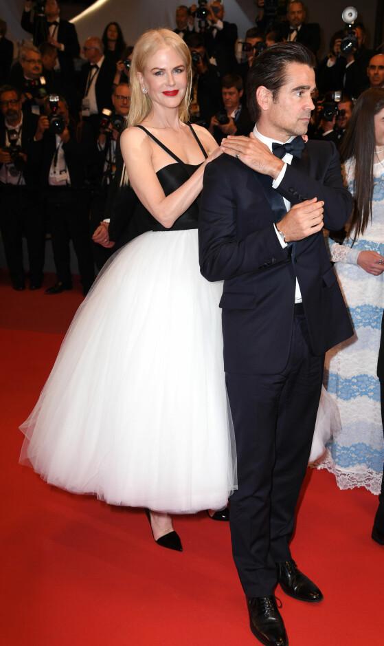 SPILLER SAMMEN: Nicole Kidman spiller mot Colin Farrell i «The Killing of a Sacred Deer». Det er de to som har hovedrollene i filmen, og før filmpremieren viste de seg sammen på rød løper. Foto: Doug Peters/EMPICS Entertainment/ NTB scanpix