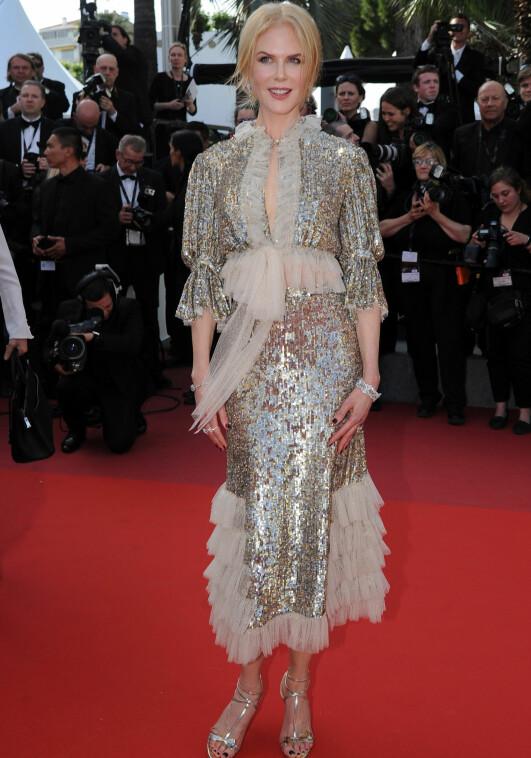 GLITRET: Nicole Kidman valgte paljetter og volanger på «How To Talk To Girls At Parties»-premieren i Cannes. Foto: NTB scanpix