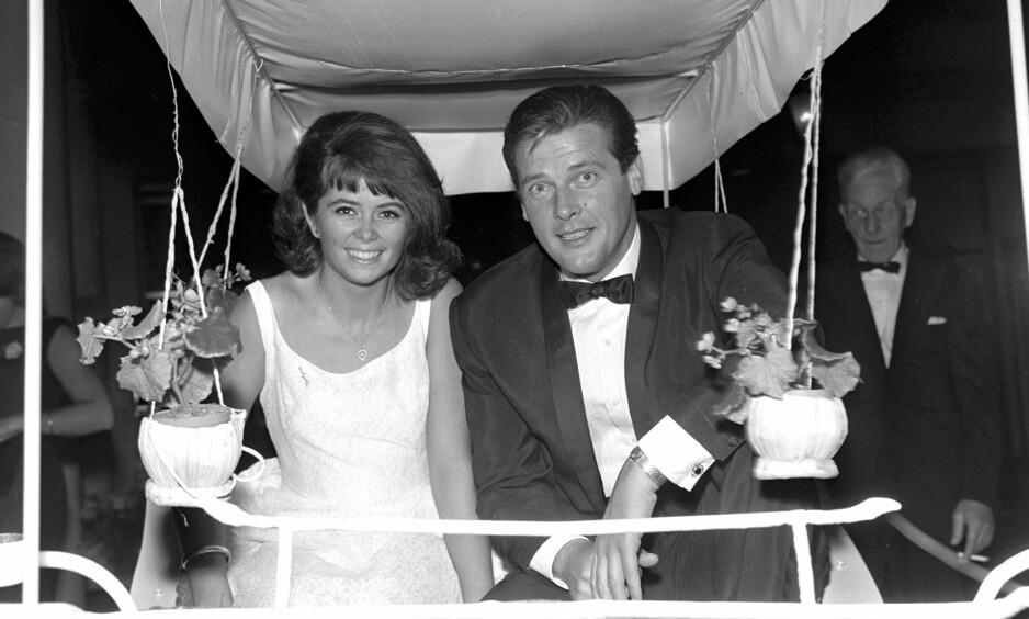 MINNES ROGER MOORE: Tirsdag kom nyheten om at den britiske filmstjernen Roger Moore er død. Wenche Myhre møtte ham i Norge i 1965, og kan dele varme minner om den berømte Bond-skuespilleren. Foto: Henrik Laurvik/ NTB scanpix