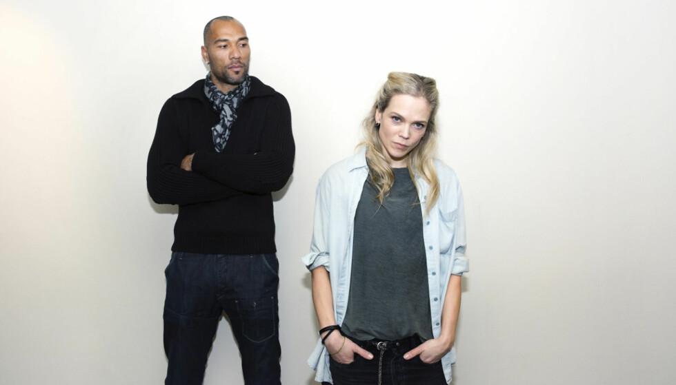 DRAMA: Ane Dahl Torp spillerkvinnen som rapper trenerjobbenfra fotballproffen som JohnCarew spiller i serien. Foto: NRK