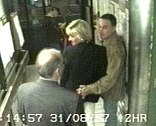 DE SISTE BILDENE: Prinsesse Diana og Dodi Fayed på Ritz Hotel i Paris. Foto: NTB Scanpix