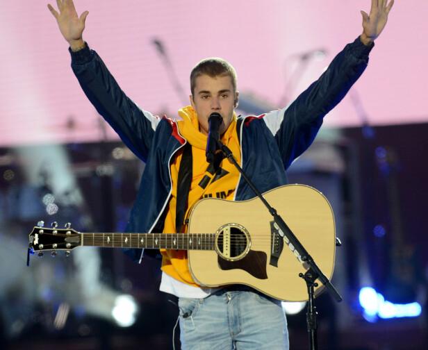 JUBLET FOR SUPERSTJERNEN: Justin Bieber var tydelig rørt under sin opptreden i Manchester. Foto: NTB Scanpix