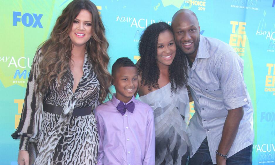FRA LYKKELIGE TIDER: Her er Khloe Kardashian sammen med Lamar Odom og barna Destiny og Lamar Jr. på Teen Choice Awards i 2011. Foto: NTB Scanpix