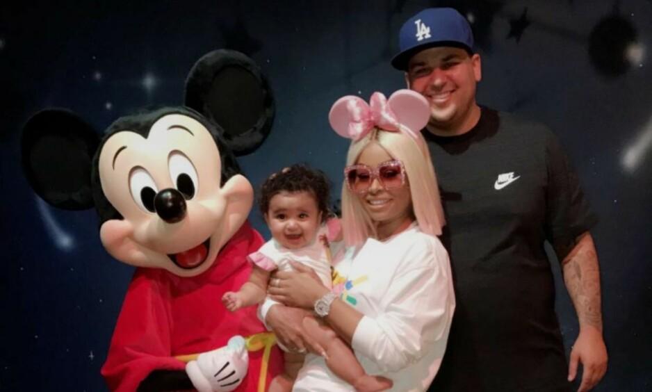 GJENFORENT: Den lille familien ble gjenforent i forbindelse med farsdagen i USA. Foto: Skjermdump fra Snapchat.