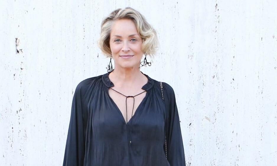 VAKKER KVINNE: Sharon Stone ble kjent som sexsymbol i filmen Basic Instinct på 90-tallet, og holder seg fremdeles fantastisk godt. Foto: NTB Scanpix