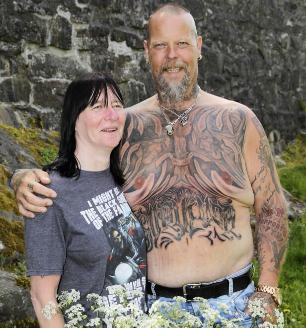 FELLES INTERESSE: May-Brit samler også på tatoveringer. Men i motsetning til ektemannen, insisterer hun på at de skal lages av forskjellige kunstnere. FOTO : SVEND AAGE MADSEN / SE OG HØR