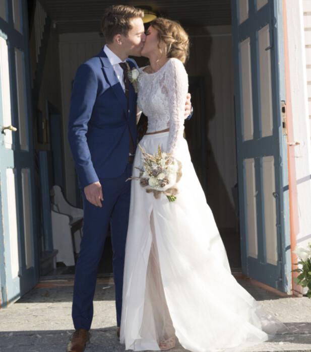 GIFT: Susanne Wergeland forteller til Seoghør.no at bryllupsdagen hittil er den beste dagen i hennes liv. Foto: Erlend Haukeland