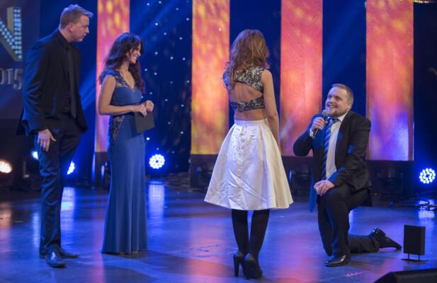 FRIDDE: Stian Thorbjørnsen fridde til kona på scenen under Se og Hørs kjendisgalla. Foto: Espen Solli