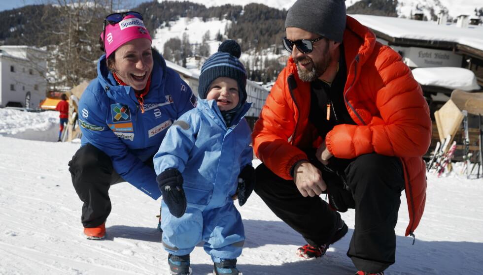 <strong>FAMILIE:</strong> Marit og Fred Børre sammen med Marius tidligere i år. Her var den lille familien i Davos da Marit ladet opp til ski-VM tidligere i år. Foto: NTB Scanpix