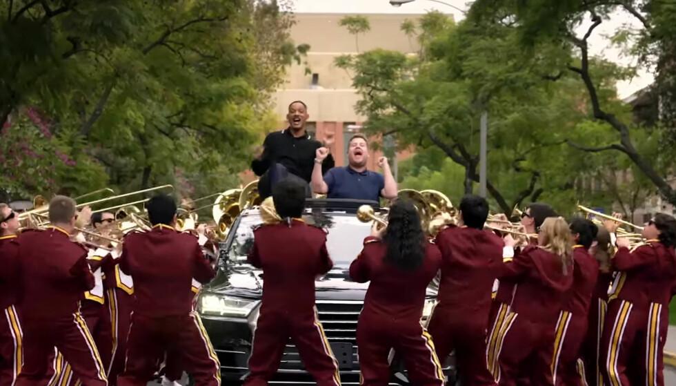 <strong>OVERRASKET:</strong> Will Smith kunne ikke tro sine egne øyne da et korps pluttselig dukket opp. Foto: Apple Music