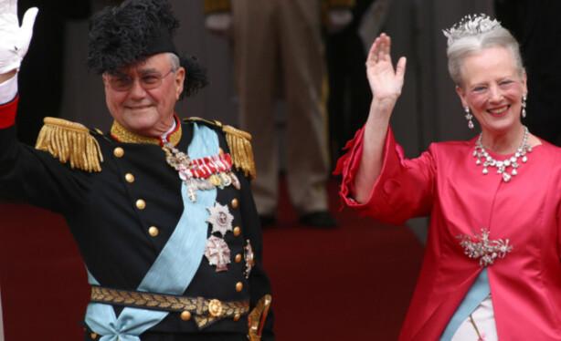 <strong>DRONNING OG PRINS:</strong> Prins Henrik har ved gjentatte anledninger uttrykt sin misnøye over sin gitte tittel. Foto: AP