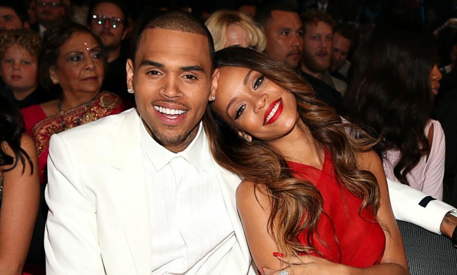 BLE GJENFORENT: Chris Brown og Rihanna kom sammen på Grammy Awards i 2013, fire år etter at han slo henne til blods. I en ny dokumentar forteller Brown om den skjebnesvangre kvelden. Foto: Christopher Polk/Getty Images for NARAS/AFP/ NTB scanpix