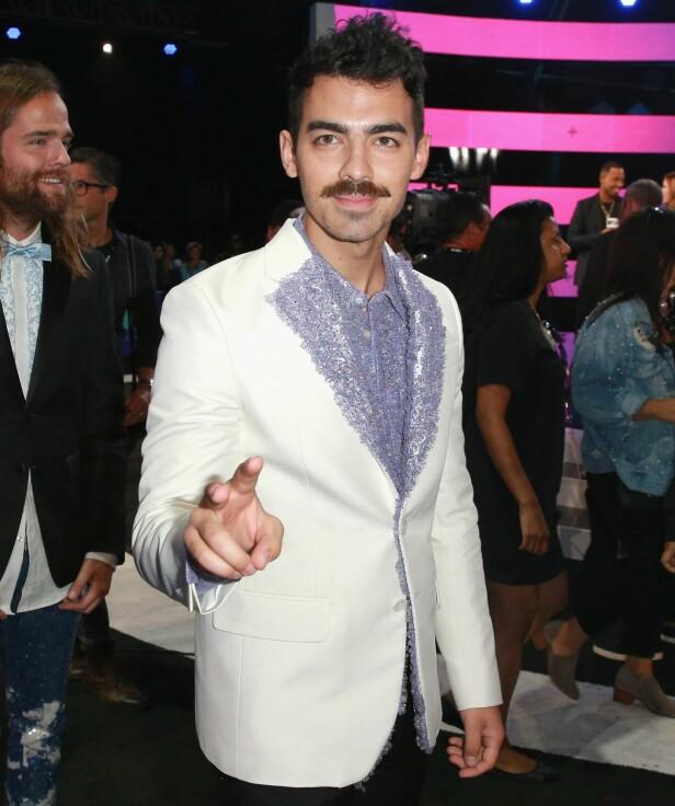 BART: Joe Jonas fikk mye oppmerksomhet for barten sin under prisutdelingen. Foto: Shutterstock