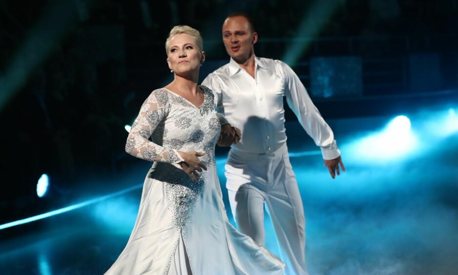 FØRSTE SENDING: TV-profil Hedda Kise gjorde en god innsats i årets første «Skal vi danse»-sending, men selv mener hun at det kunne gått enda bedre om hun ikke var så nervøs. Foto: Thomas Reisæter / TV 2