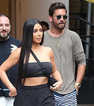 VISTE SEG PÅ GATA: Scott Disick avbildet sammen med Kim Kardashian i begynnelsen av august. Foto: NTB Scanpix