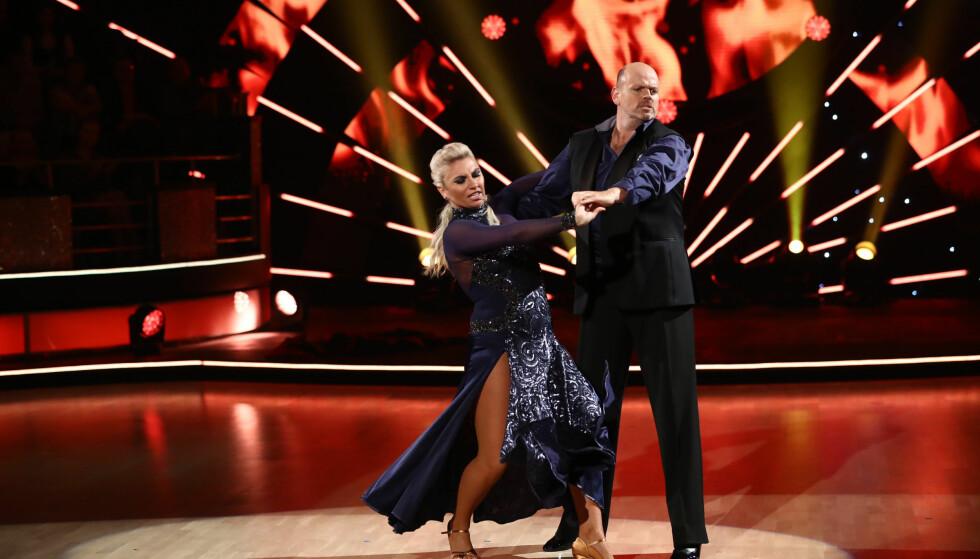 UTE AV DANSEN: Tommy Steine og Alexandra Kakurina var det første paret som røk ut av høstens «Skal vi danse»-sesong. Foto: Thomas Reisæter/ TV 2
