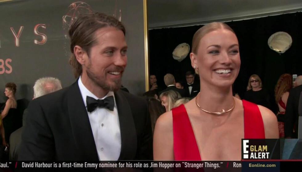 LYKKELIG GIFT: Tim Loden og Yvonne Strahovski giftet seg i sommer. Det avslørte duoen på den røde løperen under Emmy-utdelingen. Foto: NTB Scanpix
