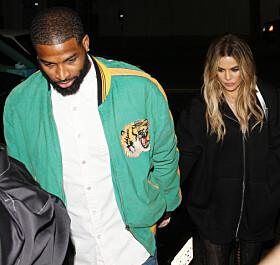 LYKKELIG PAR: Khloé Kardashian har vært sammen med Tristan Thompson siden september i fjor, og nå skal de trolig få sitt første barn sammen. Foto: NTB scanpix