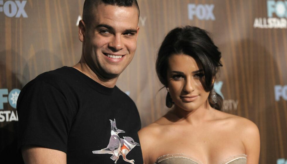 TV-STJERNE: Sammen med blant andre Lea Michele (t.h.), ble Mark Salling en populær skuespiller gjennom ungdomsserien «Glee». Foto: Chris Pizzello/ AP/ NTB scanpix