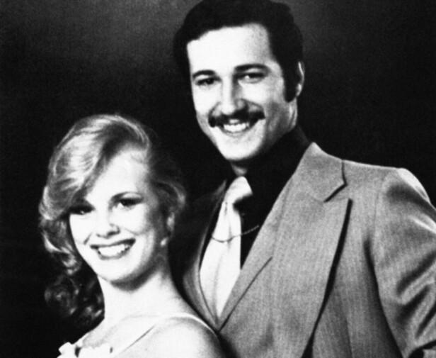 GIFT: Dorothy Stratten og ektemannen Paul Snider poserer for sitt bryllupsbilde i 1979. Foto: AP Photo/ NTB scanpix