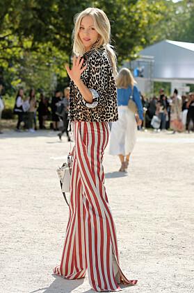 Blogger Shea Marie i stripete bukser. Foto NTB Scanpix