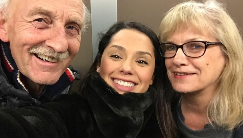 BESTEVENNER: Pappa Sven Olav og mamma Else har støttet Jorun hele veien, selv om det til tider har vært vanskelig for dem at hun har vært så mye på reisefot. Foto: Privat