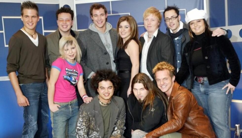 TAPTE FOR KURT: Kelly Clarkson (midten bak) måtte gi tapt for Kurt Nilsen i «World Idol» i 2003. Men siden har karrieren gått oppover for henne. Foto: NTB Scanpix