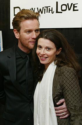 LANGT EKTESKAP: Ewan McGregor og Eve har vært gift i 22 år og har fire barn sammen. Her er de sammen i 2003. Foto: NTB Scanpix