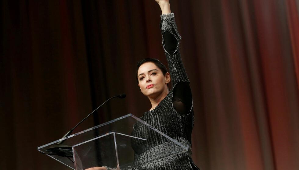 RETTFERDIGHETSFORKJEMPER: Skuespillerinnen har vært en tydelig frontfigur i anklagene mot Hollywood-produsenten Harvey Weinstein, og holder her en tale for publikum under et møte for kvinner i Detroit, Michigan. Foto: REUTERS/ NTB scanpix