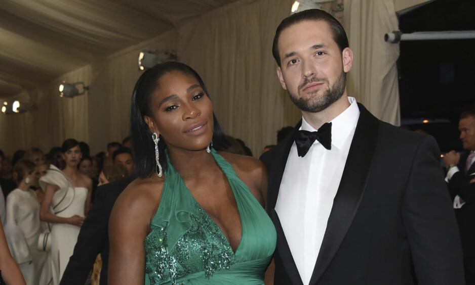 NYGIFT: Serena Williams og Alexis Ohanian giftet seg torsdag i en stjernespekket seremoni på kunstsenter for samtidkunst i New Orleans. Foto: AP/NTB Scanpix.
