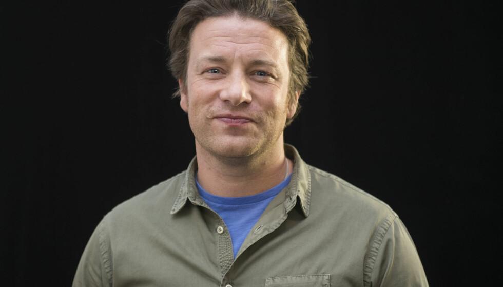 NEKT: Jamie Oliver ønsker ikke at døtrene skal ta bilder av seg selv. Det har han sine grunner til. Foto: NTB scanpix