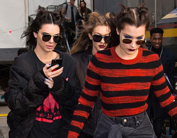 BESTEVENNER: Kendall, Gigi og Bella er bestevenner, og alle tjener fett som modeller. Foto: Splash News/ NTB scanpix