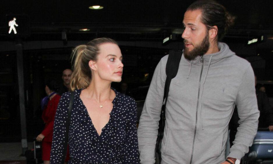 GIFT: Skuespiller Margot Robbie og regissør Tom Ackerley har vært gift siden i fjor. Nå åpner førstnevnte opp om det å være gift. Foto: NTB Scanpix