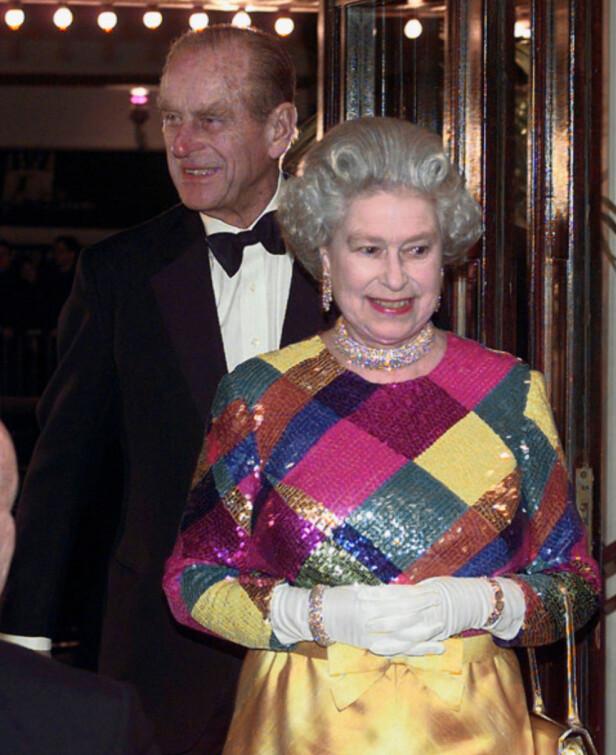 FESTKLARE: Parets opptredener offentlig tilhører sjeldenhetene nå i 2017, men det hender likevel de glimter til. Her er de avbildet på fest i 1999, smilende og glade. Foto: NTB scanpix