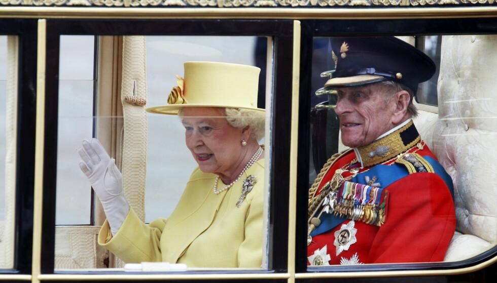 GIFT I 70 ÅR: Dronning Elizabeth og prins Philip har holdt sammen i tykt og tynt gjennom sitt 70 år lange ekteskap. Foto: Lise Åserud / Scanpix