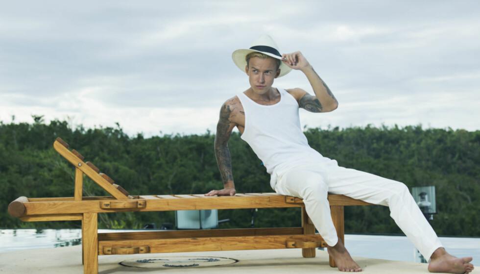 COMEBACK PÅ PARADISE HOTEL?: Carl Aksel er en av åtte tidligere deltakere som kan gjøre comeback i 2018-versjonen av den populære realityserien. Foto: TV3