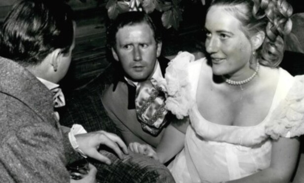 PASSENDE BRUD FOR EN PRINS: Ifølge Olga Romanoffs mor hadde prinsessen vært en passende brud for prins Charles. Her er Olga avbildet i forbindelse med et ball. Foto: NTB Scanpix