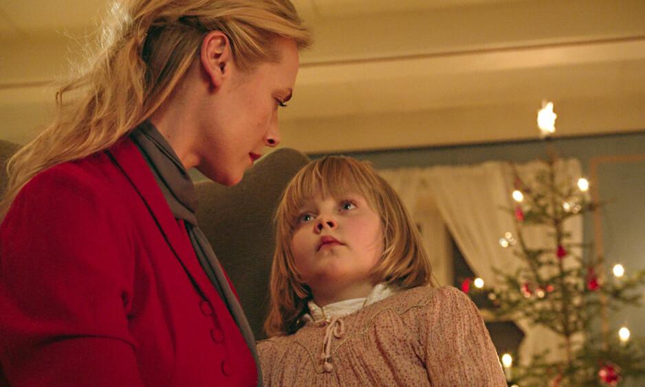 DEBUTERER: Her debuterer datteren til Fridtjov Såheim og Henriette Steenstrup i grøsserfilmen «Hjemsøkt». Foto: Filmweb