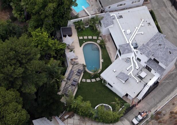 FORLATT: Lea Micheles millionvilla i Brentwood-nabolaget er nå forlatt som følge av flammekaoset. Foto: Splash, NTB scanpix