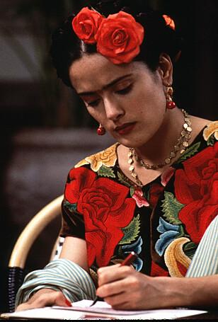 <strong>- KASTET OPP TÅRER:</strong> Skuespiller Salma Hayek beskriver flere svært urovekkende tilnærmelser fra Harvey Weinstein under arbeidet med filmen «Frida». Her er Hayek i rollen som Frida Kahlo. Foto: NTB Scanpix