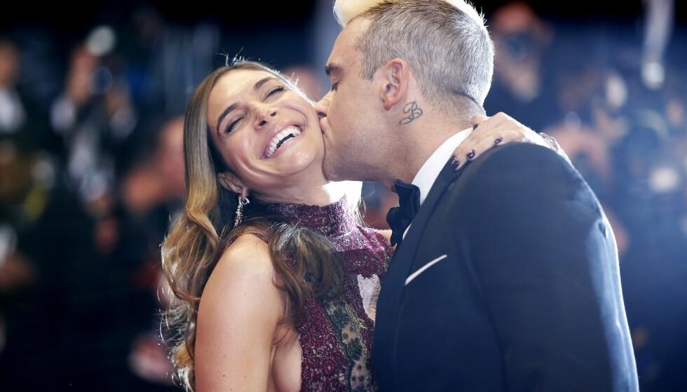 <strong>LYKKELIG GIFT:</strong> Robbie Williams og Ayda Fields har vært gift i syv år og har to barn sammen. Foto: NTB Scanpix