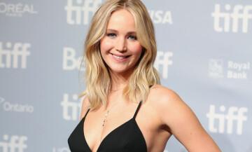 UNG FLØRT: Chris Martin skal ha datet Jennifer Lawrence (27) en periode. Foto: NTB scanpix