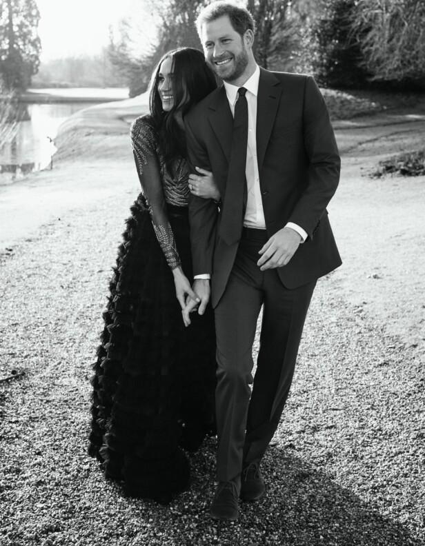 PENT PAR: Prins Harry og Meghan Markle fotografert ved Frogmore House i Windsor, på ett av sine tre offisielle forlovelsesbilder. Foto: Alexi Lubomirski / AFP/ NTB scanpix